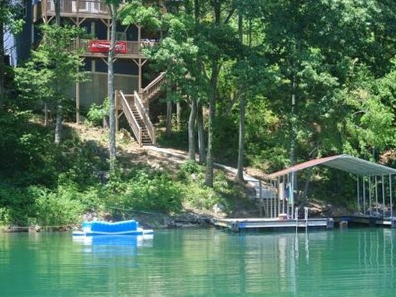 Water Front, Private Dock, Great Family Vacation!  Fall and holiday openings!, alquiler de vacaciones en Sharps Chapel