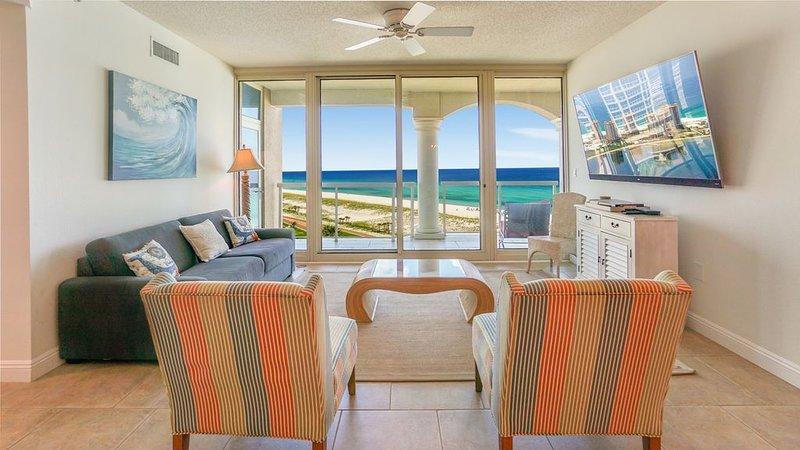 P1-1108 Beachfront Paradise * Portofino Sleeps 8!, Ferienwohnung in Pensacola Beach