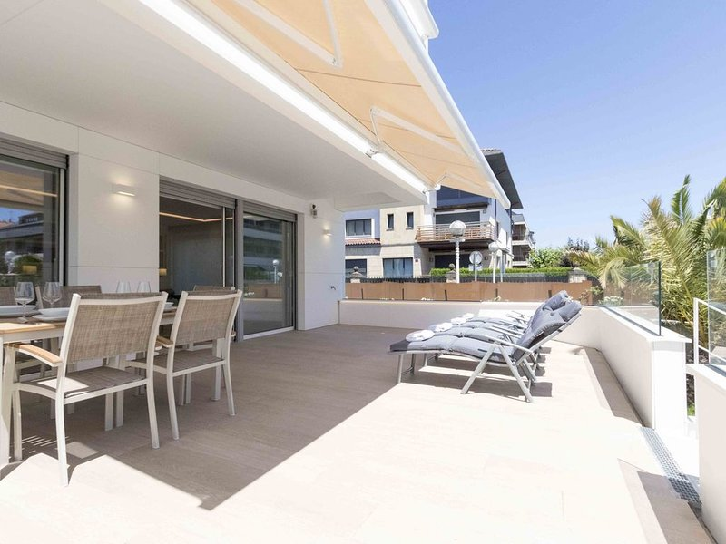 Brunet II | The Rentals Collection, holiday rental in Igueldo