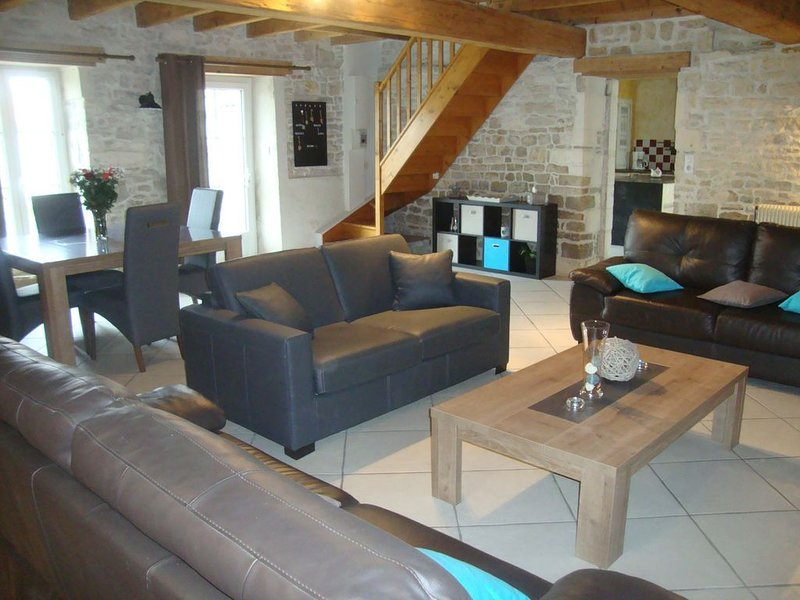 Gite rural en pleine campagne proche de La Rochelle, vacation rental in Nuaille d'Aunis