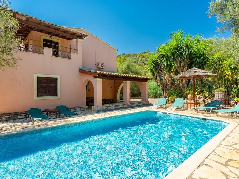 Villa Apollo: Large Private Pool, Walk to Beach, A/C, WiFi, Car Not Required, holiday rental in Barbati