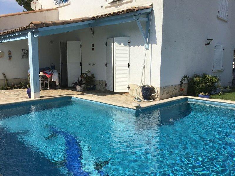 Charmante villa calme à 2 pas de la ville ,la mer et l'arrière Pays ;proche tram, casa vacanza a Grabels