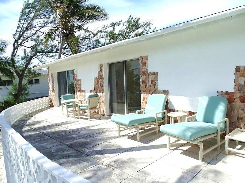 Havsutsikt veranda med sittplatser