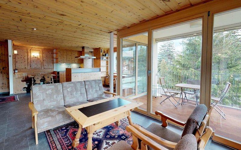 Hübsche Wohnung nur ein Steinwurf von der Gondelbahn entfernt, casa vacanza a La Punt-Chamues-ch