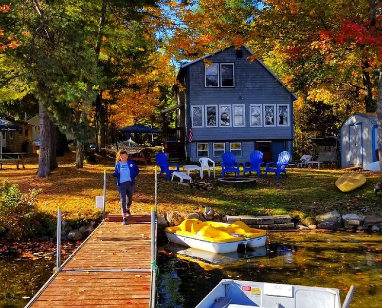Enjoy fall in Maine at this (heated)Waterfront Cottage, aluguéis de temporada em Lebanon
