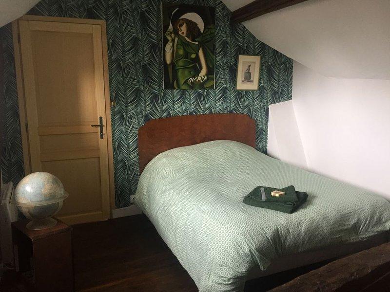 L'Annexe, chambre d'hôte en cœur de ville, proche de la mer, holiday rental in Saint-Quentin-la-Motte-Croix-au-Bailly