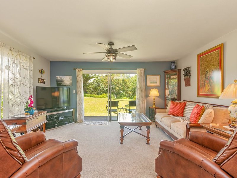 Top Rated Ocean Bluff Condo, Great for Couples & Family, vacation rental in Princeville