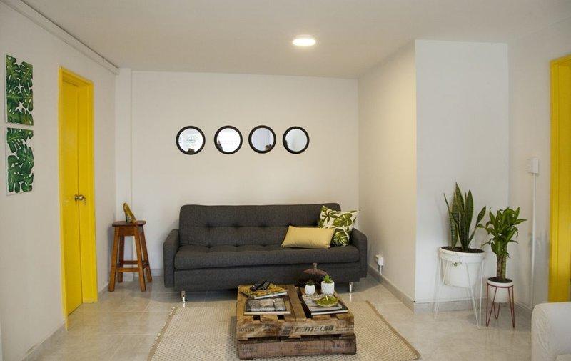 Apartamento en el  centro de  Medellín bien ubicado - Home Aris 201, aluguéis de temporada em Girardota