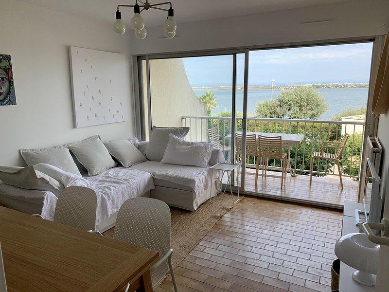 Bel appartement à la mer, première ligne, vue etang, piscine., alquiler vacacional en Palavas-les-Flots