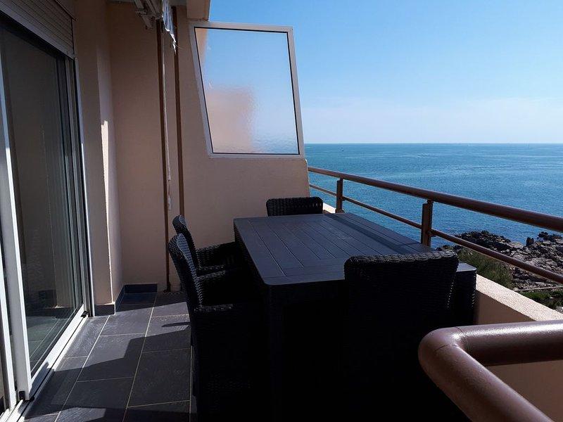 T2 climatisé vue sur mer, WIFI, piscine et parking, vacation rental in Sete
