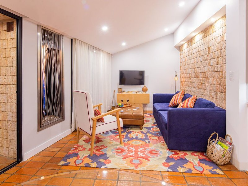 Modern penthouse apartment in the heart of El Centro, vacation rental in Cuenca
