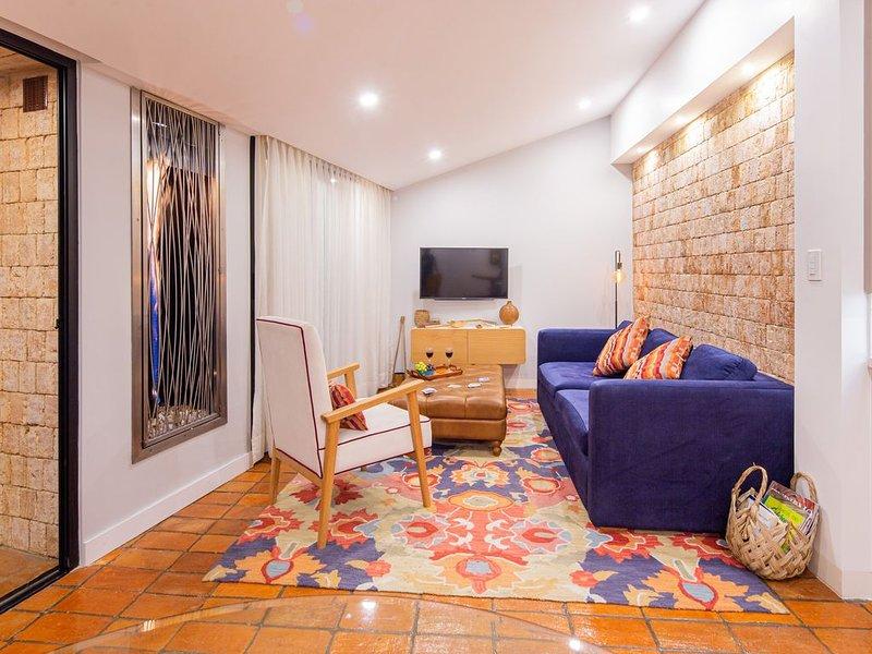 Modern penthouse apartment in the heart of El Centro, alquiler de vacaciones en Cuenca