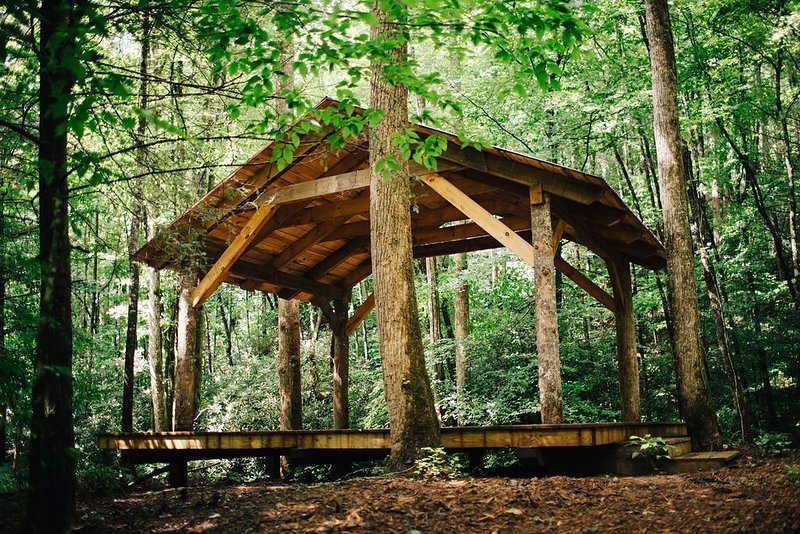 CHERRYFIELD LUXURY  GROUP CAMPGROUND IN BREVARD NC (Pavillions 3 & 4), holiday rental in Rosman