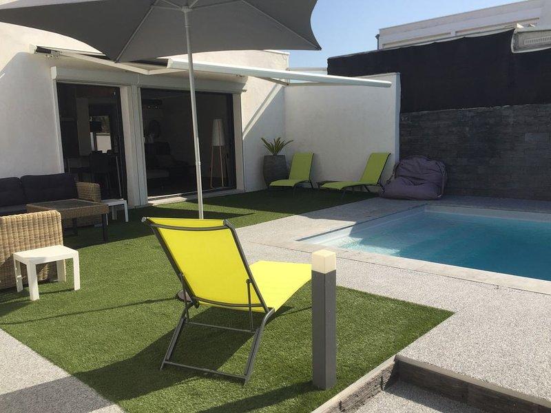 VILLA/MAISON 120m2 avec piscine chauffée à 200m de la plage REMB SANIT 100%, location de vacances à Carnon