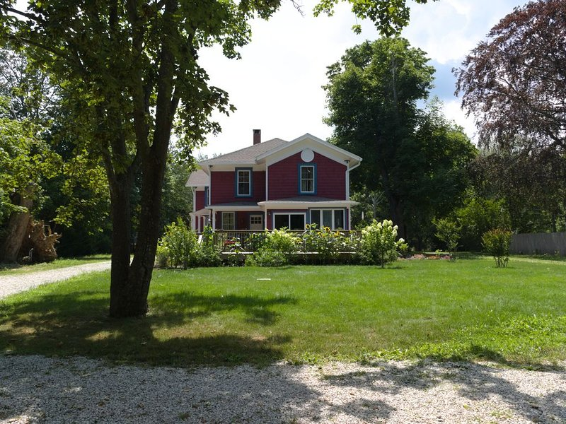 Gorgeous Historical 7 bdrm House in the GREENPORT area for Bachelorettes., alquiler de vacaciones en North Fork