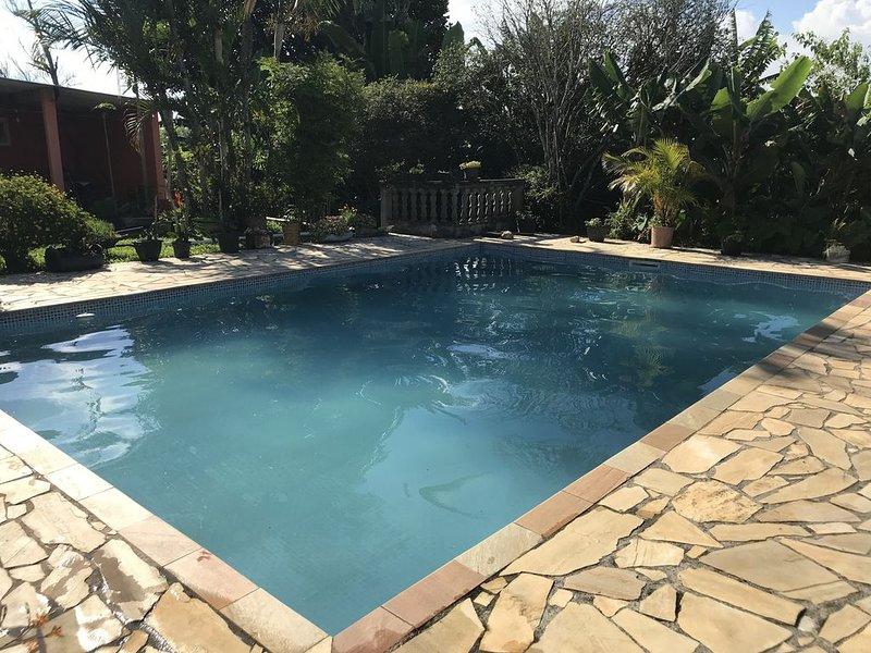 Sítio em Biritiba Mirim 3 quartos, piscina, churrasqueira e fogão a lenha!, aluguéis de temporada em Mogi das Cruzes