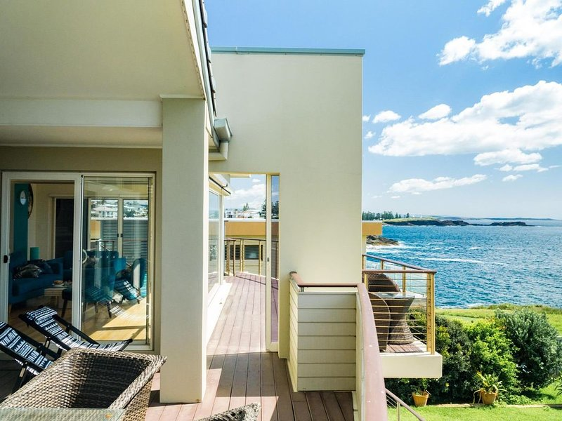 Absolute Waterfront | Incredible Ocean Views | Large Groups, vacation rental in Kiama