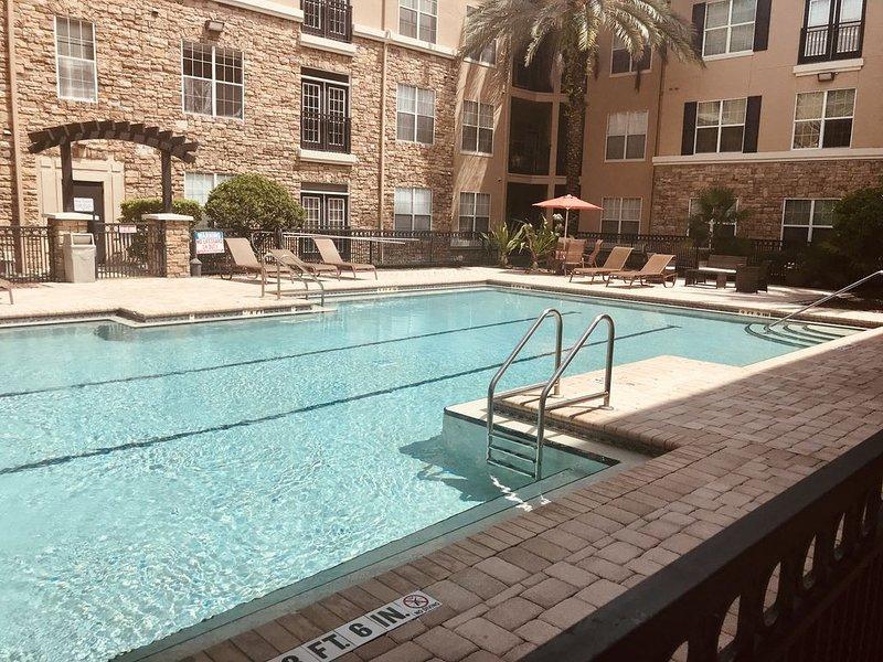 Grande piscine chauffée