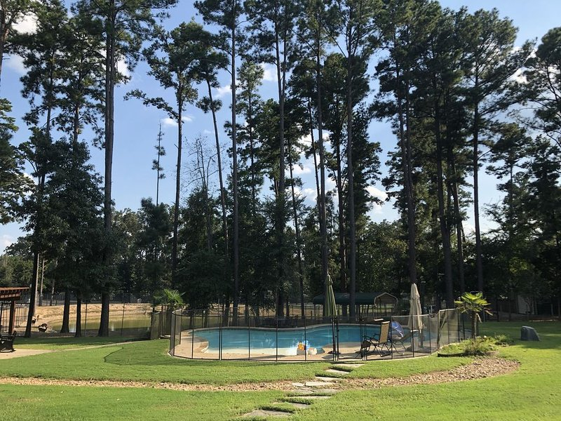 Whitetail deer ranch experience! Observe the raising and caring for of WT deer., holiday rental in Tyler