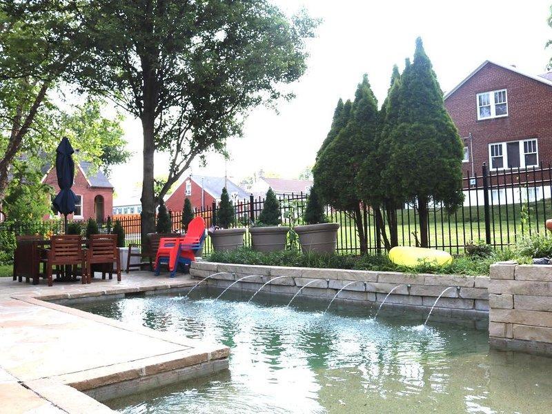 Clark Brick House w/ Pool - Historic St. Charles, aluguéis de temporada em Saint Charles