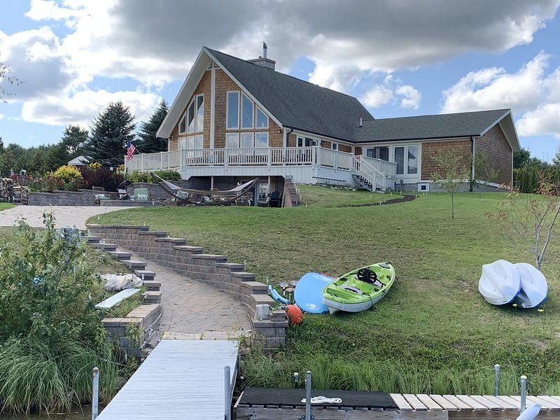 3 acres of Private waterfront property, holiday rental in Cheboygan County