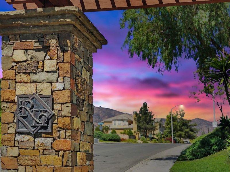 San Diego Private Gated Luxury Estate, 7 Bedrooms, Pool, Spa, Sleeps 18 People, location de vacances à Bonita