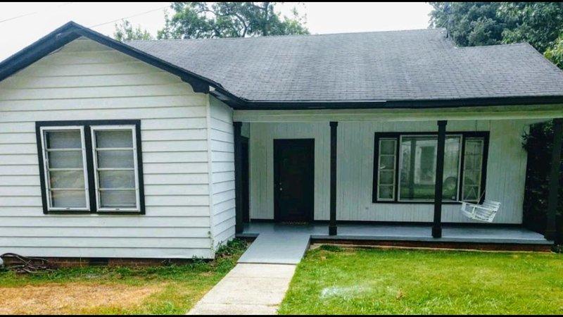 'Starkvegas' Home Away from Home, vacation rental in Starkville