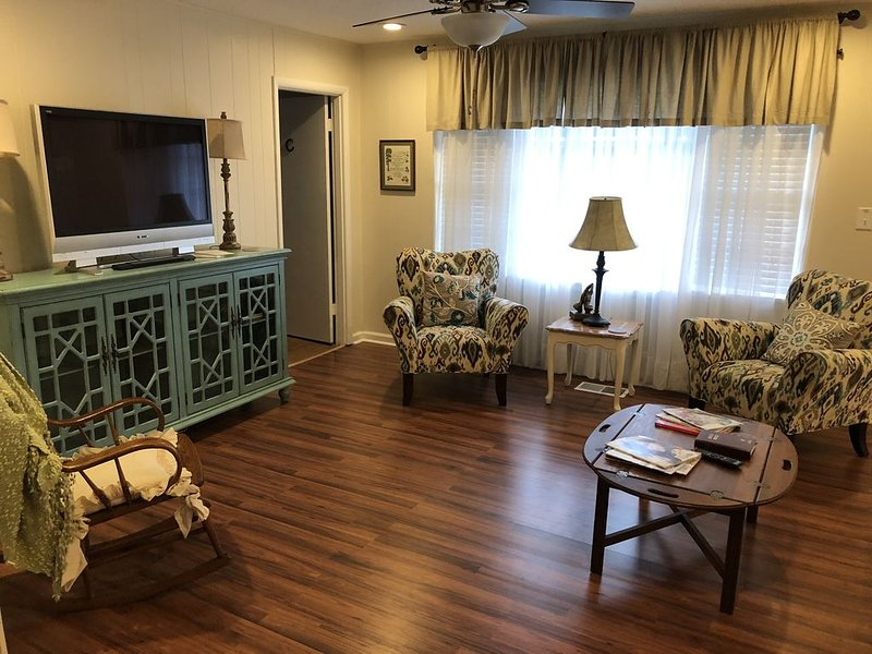 Harper House: convenient lodging during extended medical stay of loved ones, vacation rental in Vestavia Hills