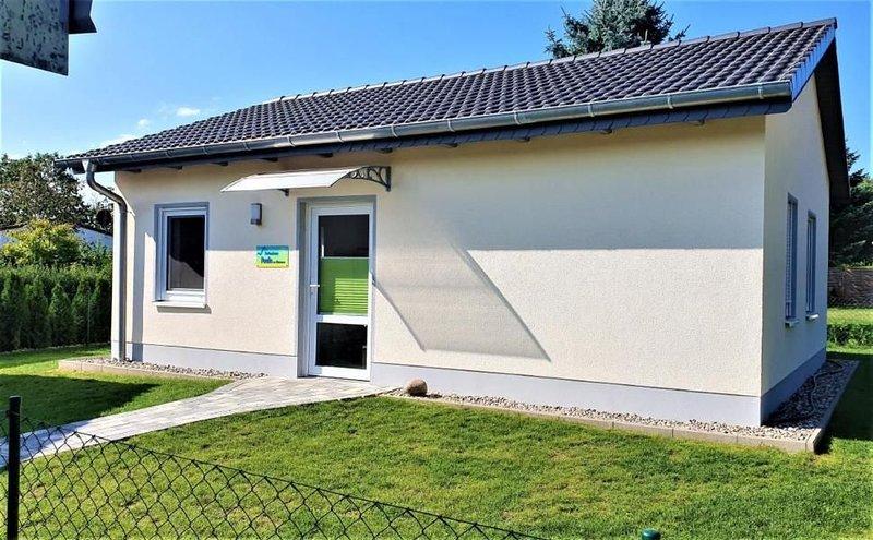Ferienhaus Dargun für 3 - 4 Personen mit 2 Schlafzimmern - Ferienhaus, vacation rental in Reuterstadt Stavenhagen