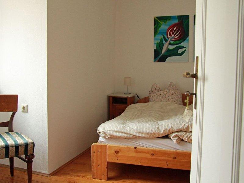 Wohnen im Atelier-und Künstlerhaushalt und das in wunderschöner und großer Villa, Ferienwohnung in Kitzingen