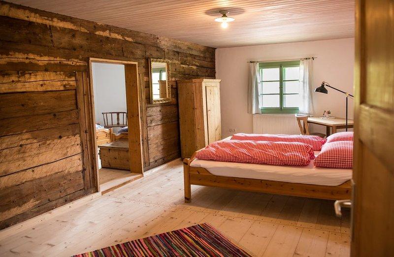 Großes Ferienhaus für ca. 30 Personen, voll ausgestattete Küche, großzügig einge, location de vacances à Neureichenau