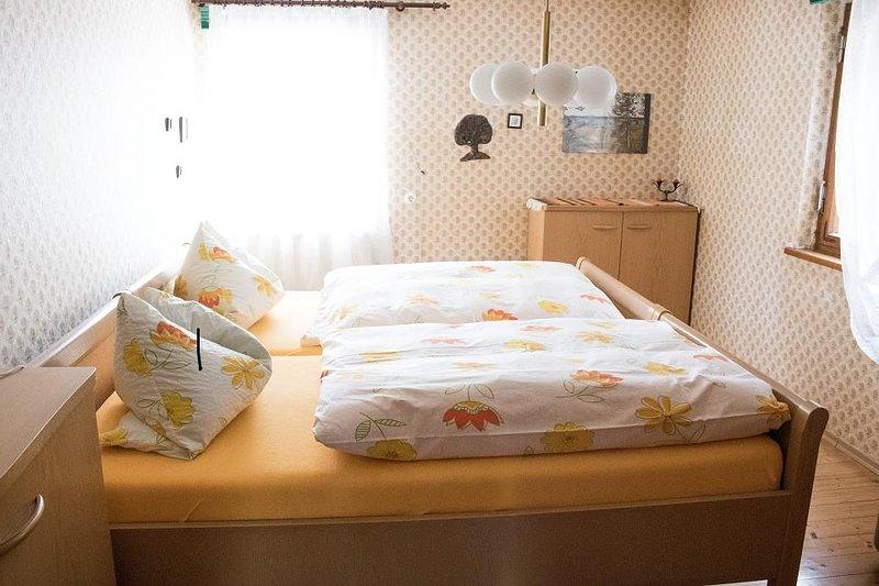 Gemütliche 85qm Ferienwohnung mit kostenfreiem WLAN und Parken, location de vacances à Windelsbach