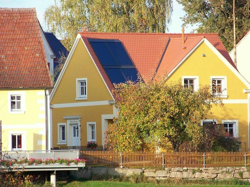 Modernes Ferienhaus (80m2) mit Terrasse & großem Garten, location de vacances à Windelsbach