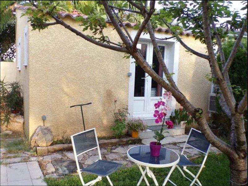 MAISONNETTE indépendante  ideale pour curistes proche de l'Etang de Thau, holiday rental in Balaruc-le-Vieux