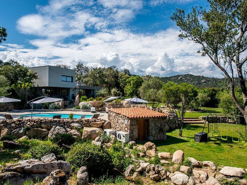 Villa 19, offre de lancement, plage 10 min à pieds, holiday rental in Pinarellu