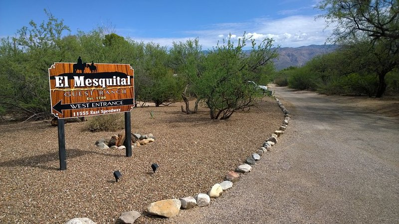 El Mesquital Guest Ranch 1 and 2 bedroom casitas on 10.5 acres, location de vacances à Vail