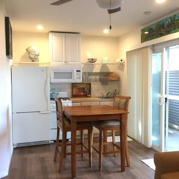 D Costa Mesa Newport Huntington Beach EVERYTHING, vacation rental in Costa Mesa