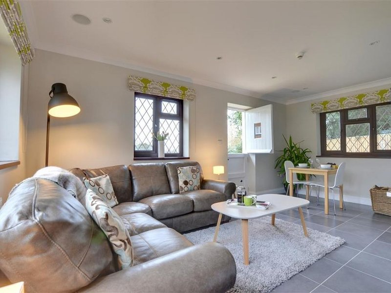 Little Nut Cottage - One Bedroom House, Sleeps 2, location de vacances à Headcorn