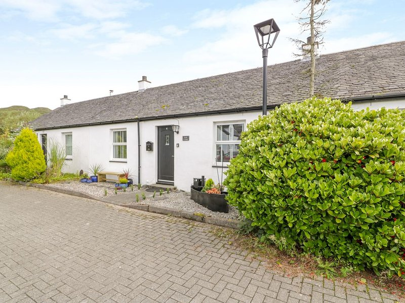 Grebe Cottage, BALVICAR, ISLE OF SEIL, holiday rental in Kilmelford