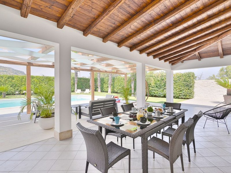 Villa Frati in the beautiful Syracuse, vacation rental in Floridia