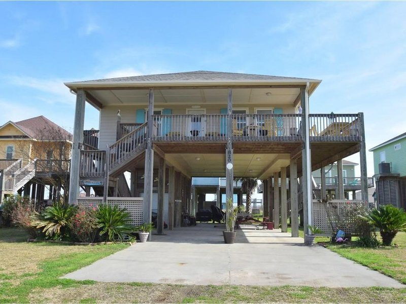 Cozy 3 bedroom, 2 bathroom home on the 3rd row!, holiday rental in Port Bolivar