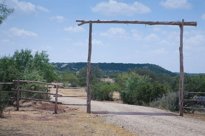 Rockview Cabin 2 | Spectacular Views of Enchanted Rock!, casa vacanza a Willow City