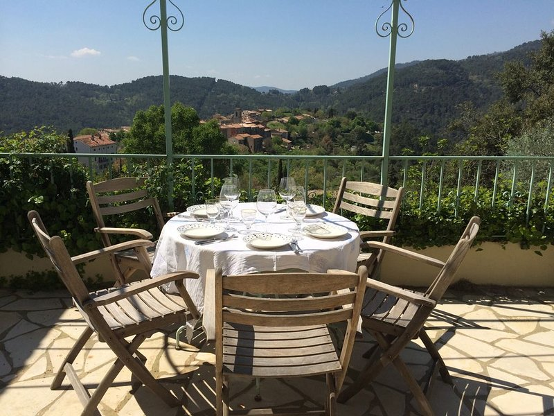 Charming villa in Claviers with private pool and astonishing view, holiday rental in Claviers