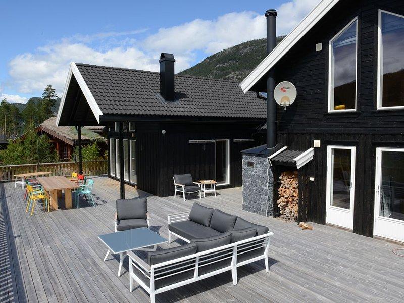 Luxe vakantiewoning midden in de natuur en rechtstreeks aan het Vravatn meer, alquiler de vacaciones en Kviteseid Municipality