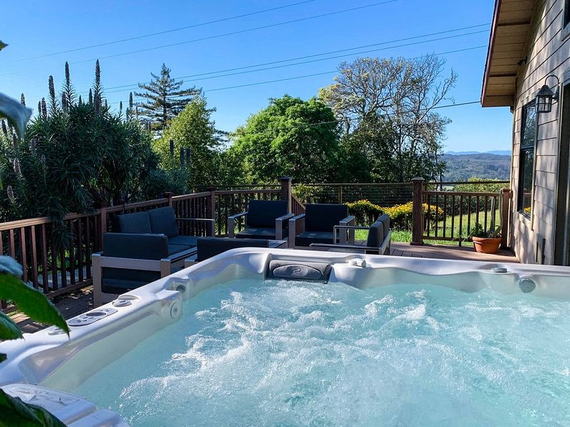 Spectacular Views Await in this quiet Sonoma House, location de vacances à Glen Ellen