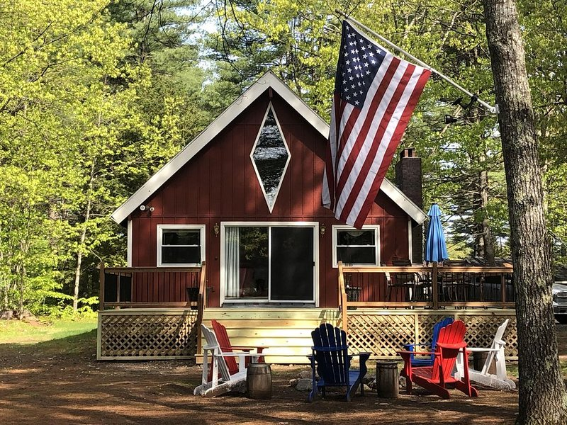 Relax, you're on 'Maine' time now...Visit Our Waterfront Home On Lake Arrowhead., holiday rental in Limerick
