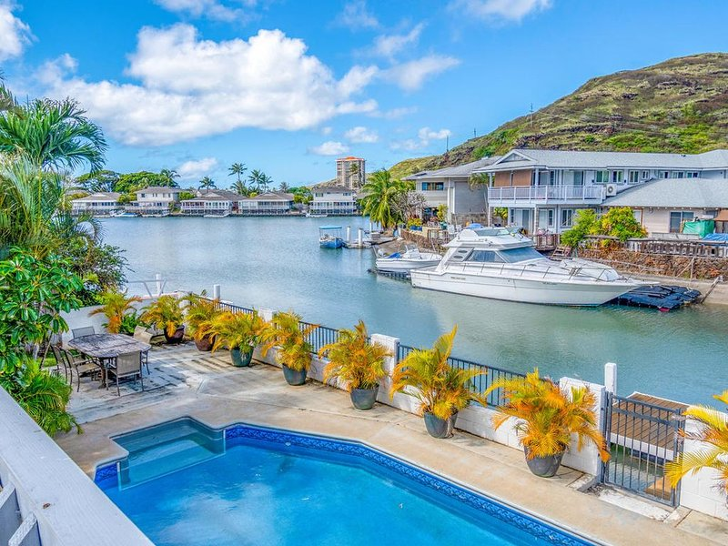 NEWLY REMODELED with A/C THROUGHOUT!, location de vacances à Hawaii Kai