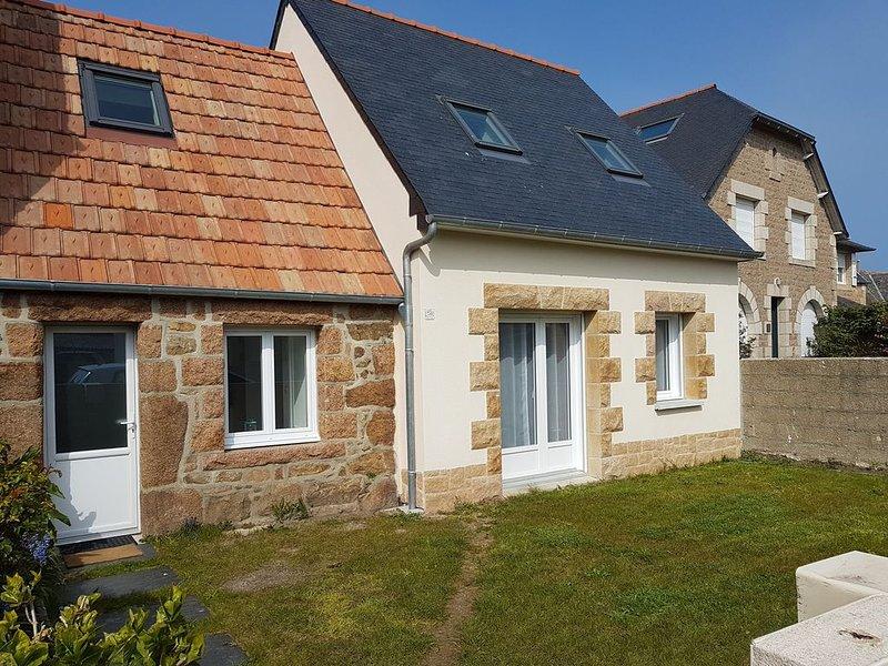 Maison de village au coeur de la côte de granit rose, holiday rental in Ploumanac'h