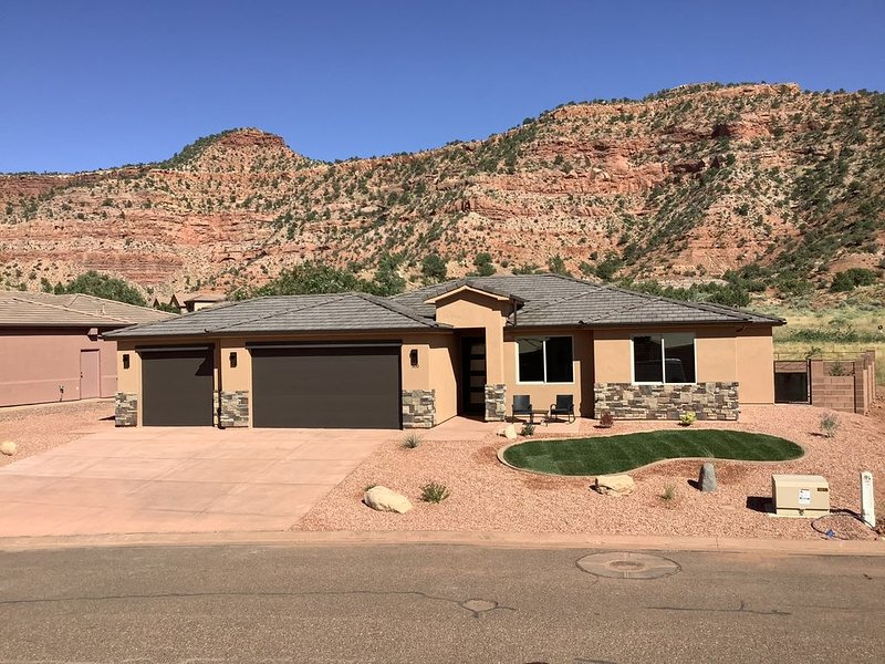 The Wildscape at La Estancia - Brand New in 2019!, vacation rental in Kanab