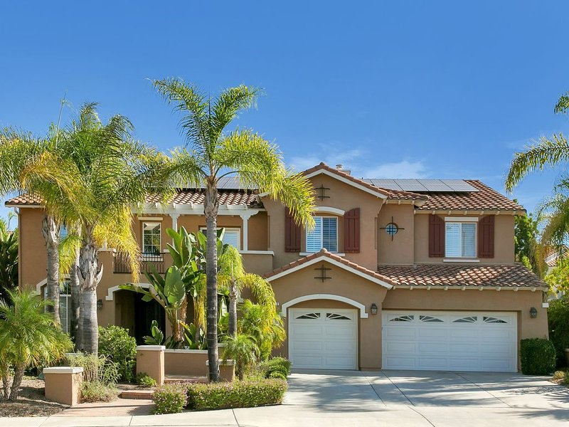Breathtakingly beautiful and kid friendly San Diego mansion! New Listing!, location de vacances à Rancho Bernardo
